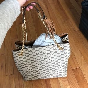 Michael kors tote with chain and wallet